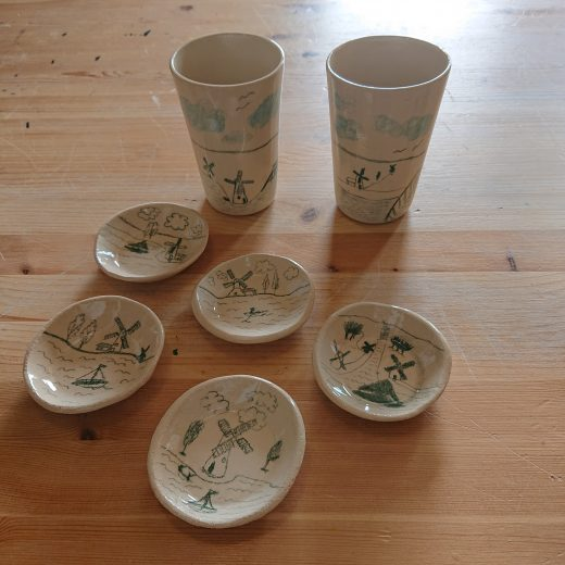 Cups & teabag dishes